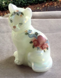 Fenton 5165 Hearts and Flowers Cat